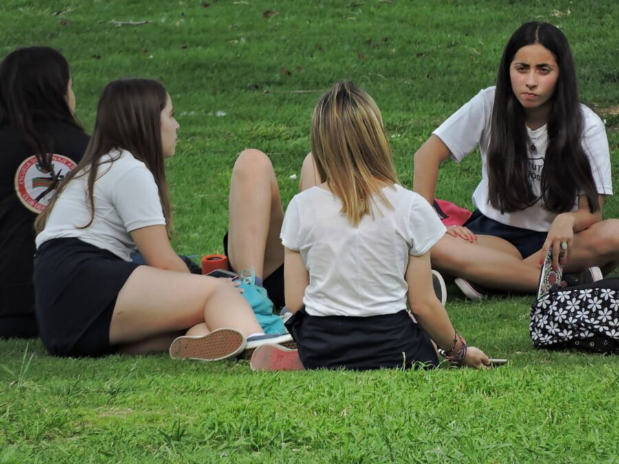 Voyeuy Jpg Candid Coles young womans +..
