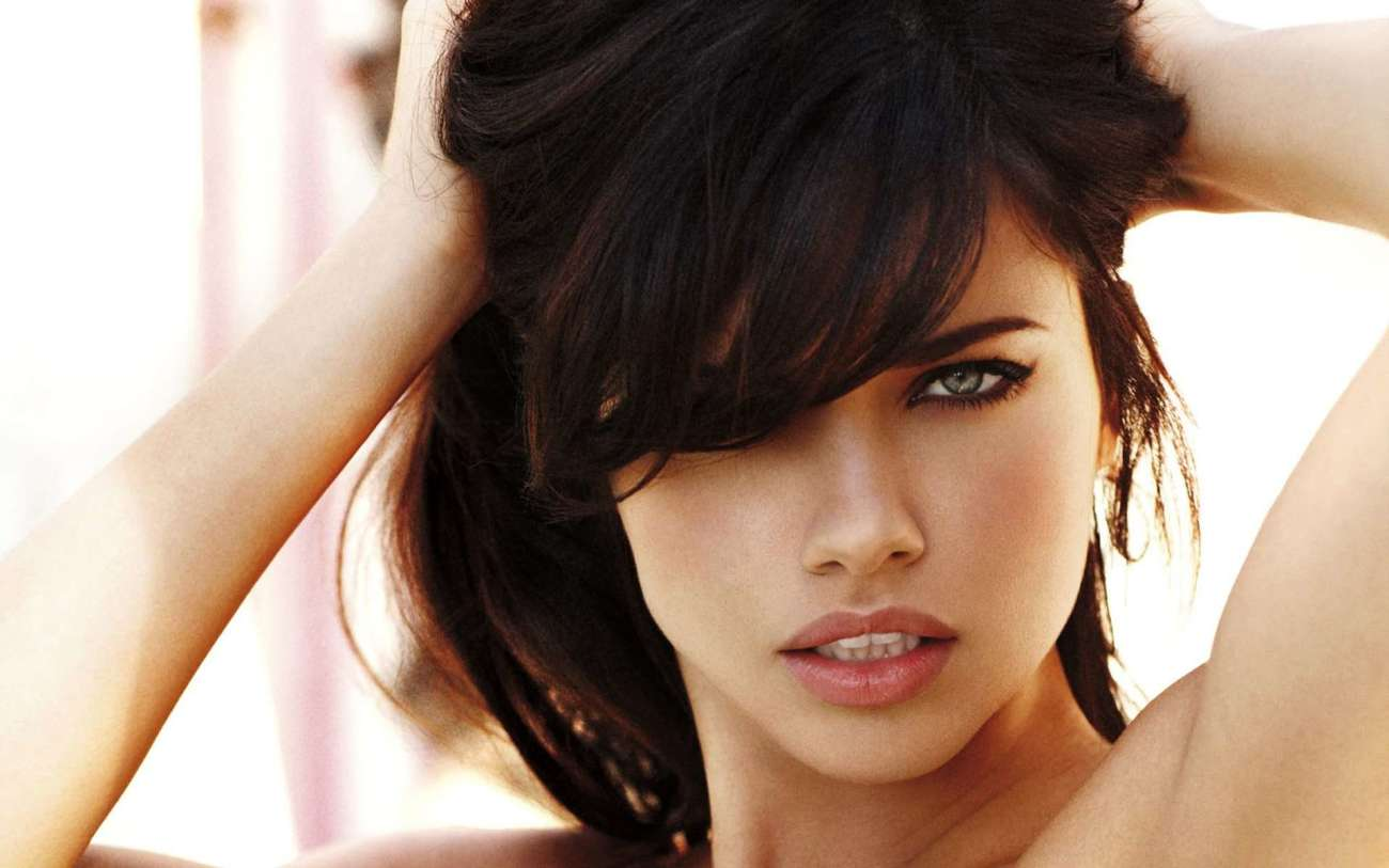 Look Of Adriana Lima Jaw-dropping..