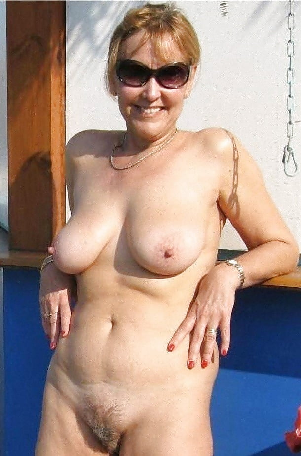 AUNTS AND MOMS -  - xHamster