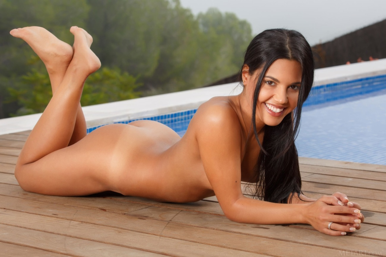 Apolonia naked in pictures from Met-Art