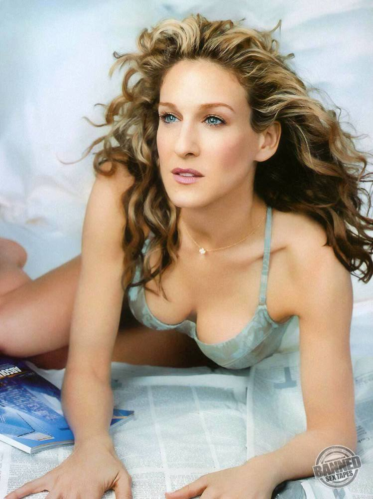 Sarah Jessica Parker downright bare at..