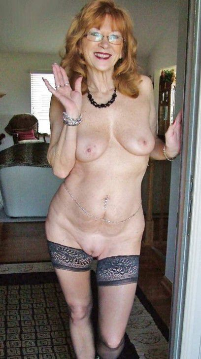Horvy mature nymphs flash these bare..