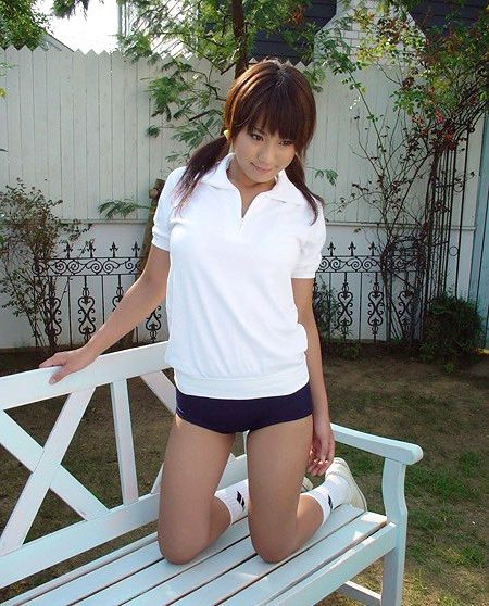 Uber-cute japanese college girls..