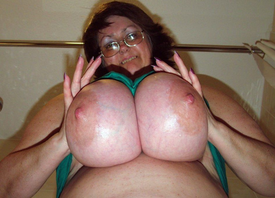 Nude big-titted mature dolls with..