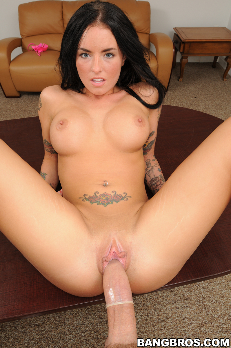 Christy Mack has a heavenly bod and..