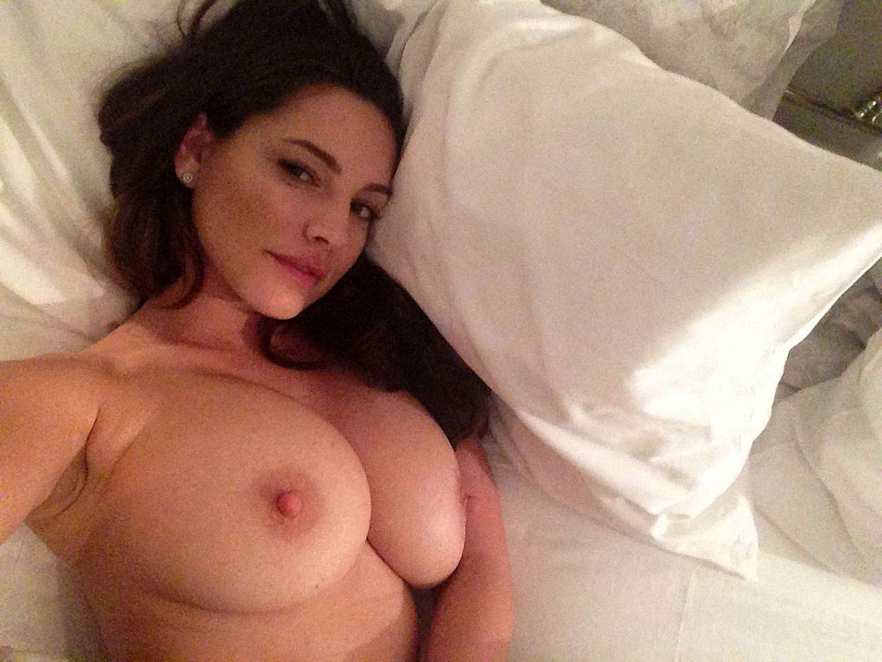 Kelly Brook Nude Leaked Images -..