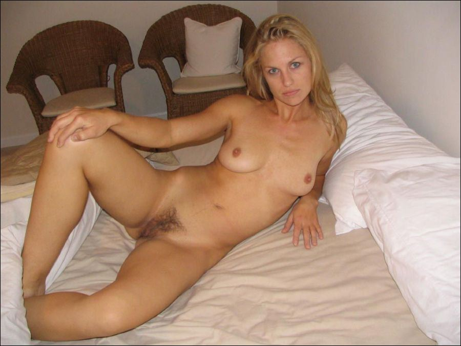 My wifey naked stance