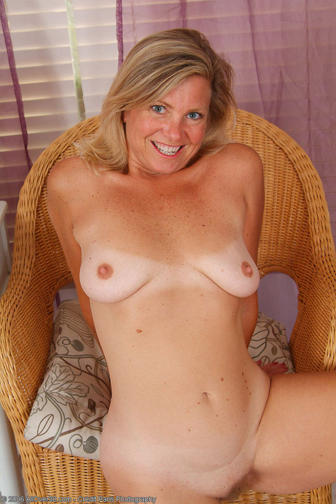 Naked mummy 30 debbie does dallas bare..